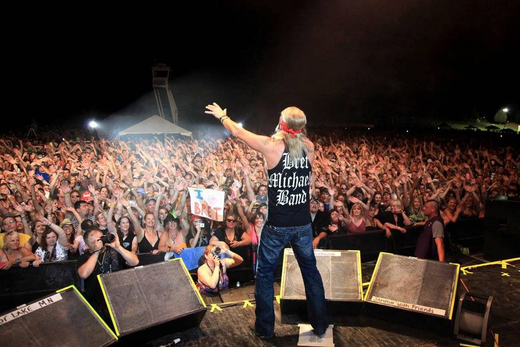 Bret Michaels performing at Lakefront Music Fest 2013